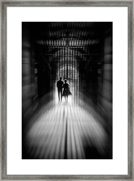 L'union Framed Print