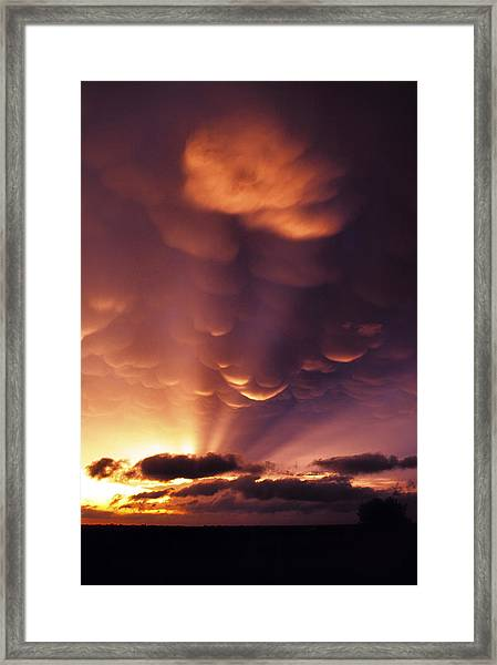 Mammatus Sunset Over Colorado Framed Print