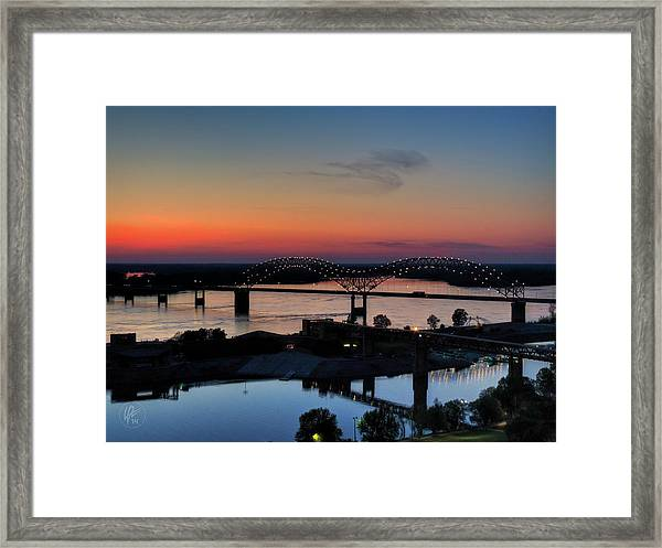 Framed Print featuring the photograph Memphis Sunset On The Mississippi 004 by Lance Vaughn