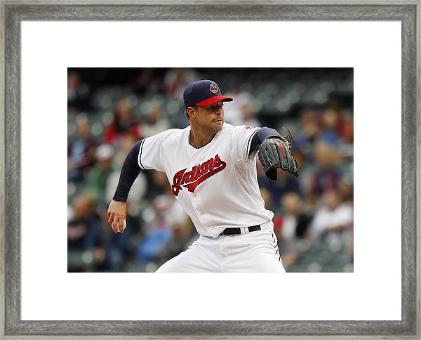 Minnesota Twins V Cleveland Indians - Game One Framed Print by David Maxwell