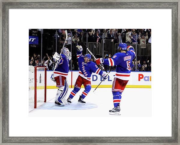 Montreal Canadiens V New York Rangers - Framed Print by Mike Stobe