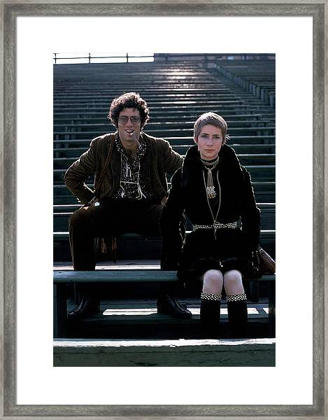 Moreen Mcgill And Elliot Gould Framed Print by William Connors