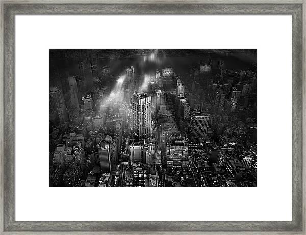 New York City Framed Print by Leif L?ndal