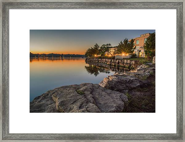 Framed Print featuring the photograph Niagara On The Lake  by Garvin Hunter