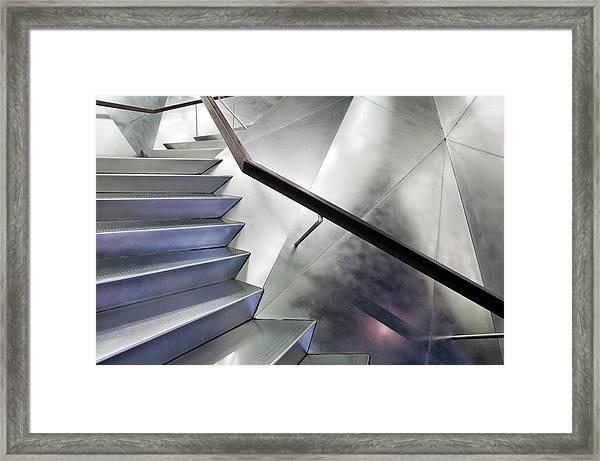 No Right Angle Framed Print by Linda Wride
