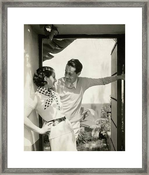 Norma Shearer And Irving Thalberg In A Garden Framed Print
