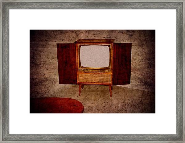 Nostalgia - Old Tv Set Framed Print