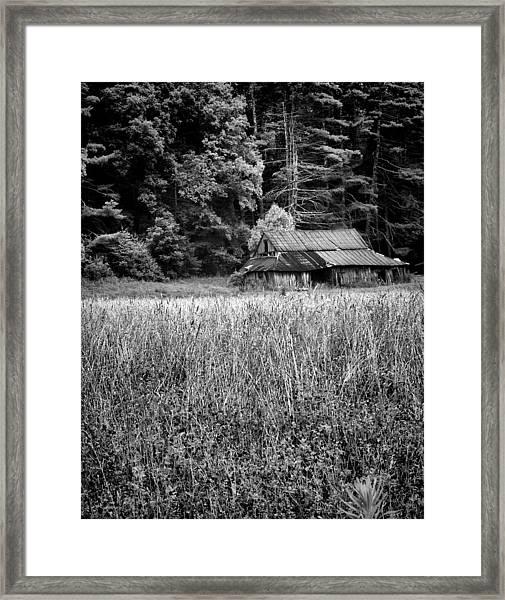 Old Barn 02 Framed Print