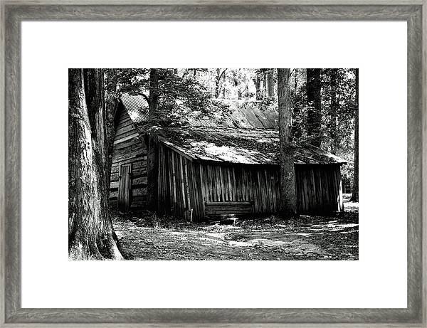 Old Barn In Georgia Framed Print
