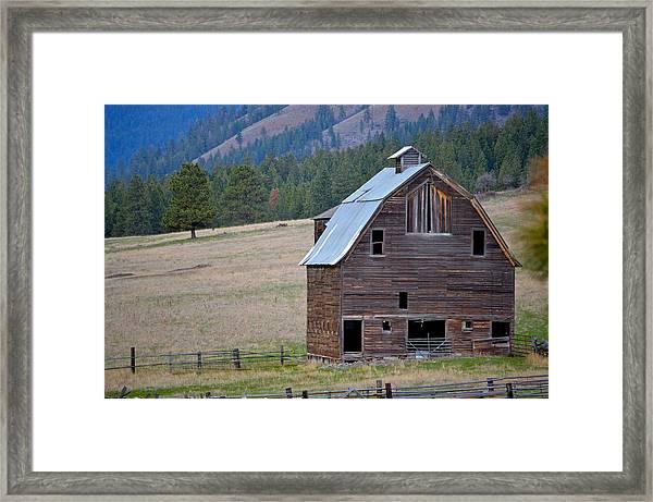Old Barn In Washington Framed Print