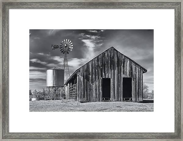 Old Barn No Wind Framed Print