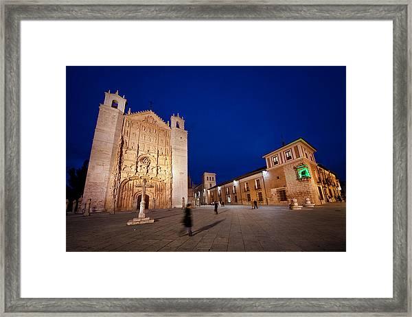 People Crossing From Church Of St. Paul Framed Print by Jesus Gonzalez