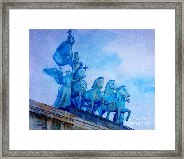 Quadriga At Grand Army Plaza Framed Print