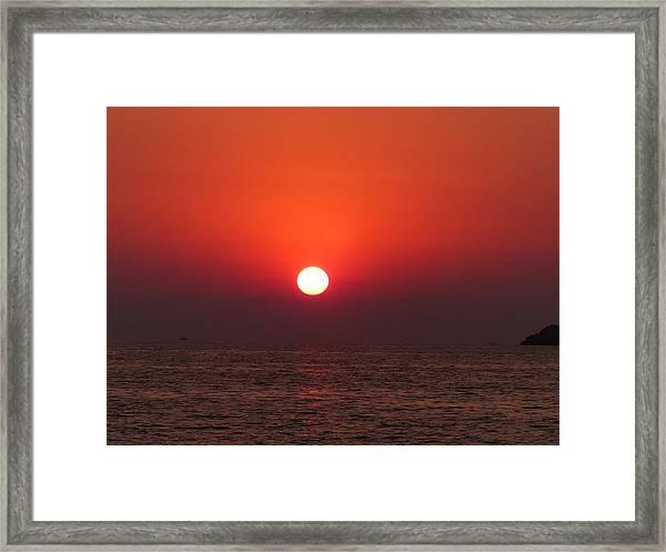 Playa La Ropa Sunset Framed Print