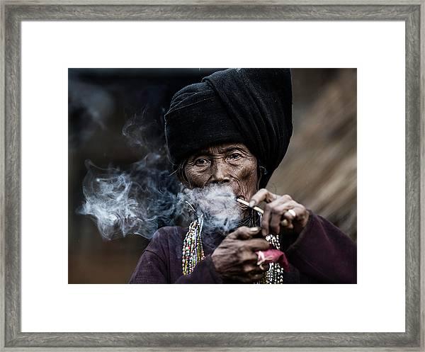 Smoking 2 Framed Print