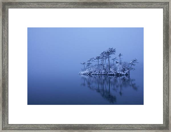 Snowy Morning Framed Print by Ikuo Iga