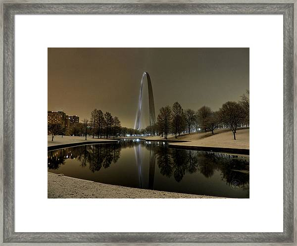 Framed Print featuring the photograph St. Louis - Winter At The Arch 004 by Lance Vaughn