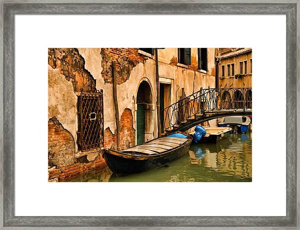Sunday In Venice Framed Print