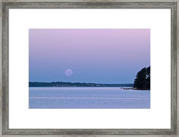 Super Moon Setting-1 Framed Print