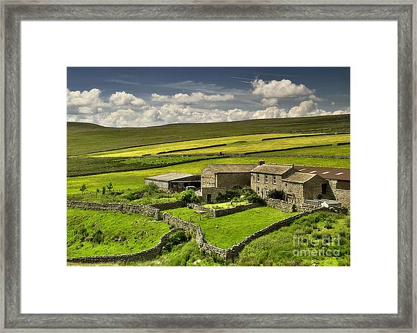 Swaledale Farm Framed Print