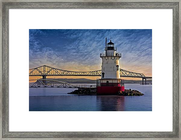 Framed Print featuring the photograph Tarrytown Light by Susan Candelario