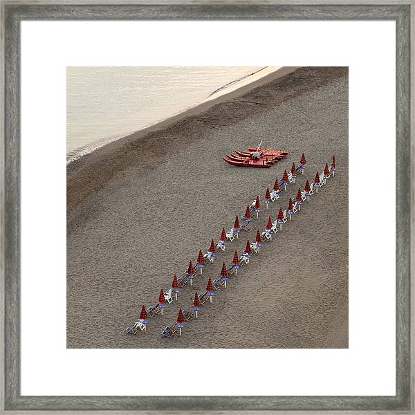 The Beach In The Evening Framed Print