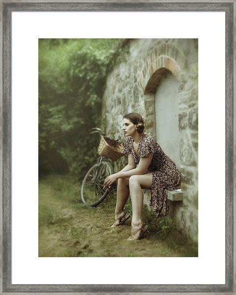 The Wall Game Framed Print by Kenp