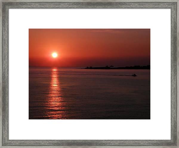 Vela In Grecia Framed Print