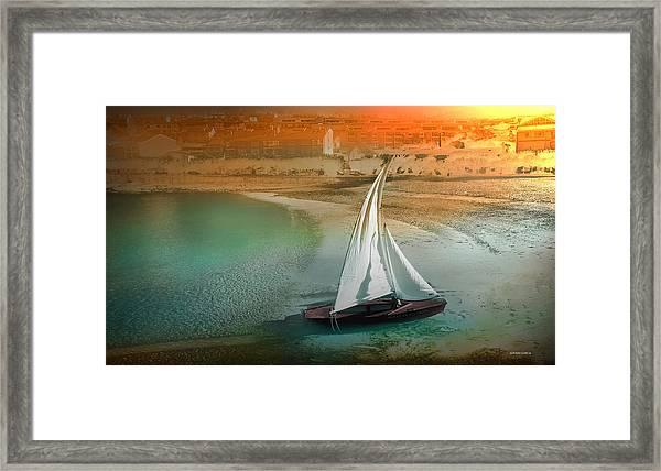 Viento Framed Print