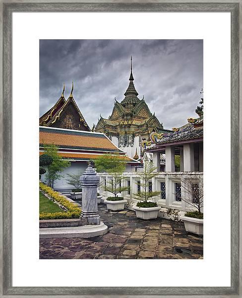 Wat Pho Temple Gardens Framed Print