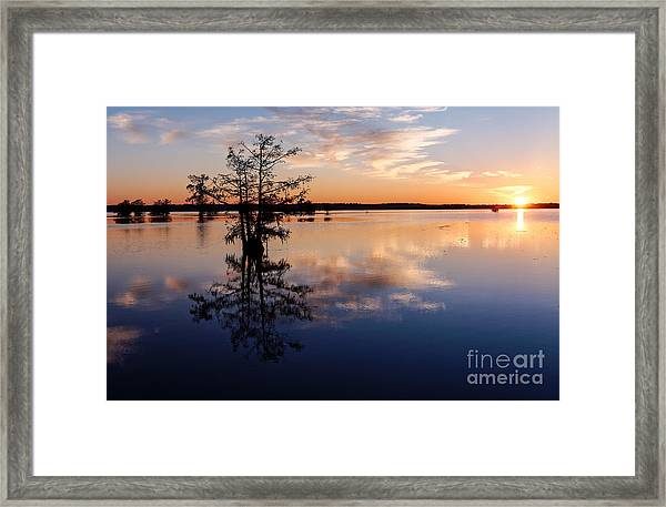 Watching The Sunset At Ba Steinhagen Lake Martin Dies Jr. State Park - Jasper East Texas Framed Print