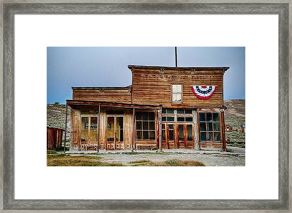 Wheaton And Hollis Hotel At Blue Hour Framed Print