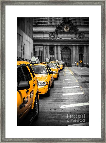 Yellow Cabs Waiting - Grand Central Terminal - Bw O Framed Print