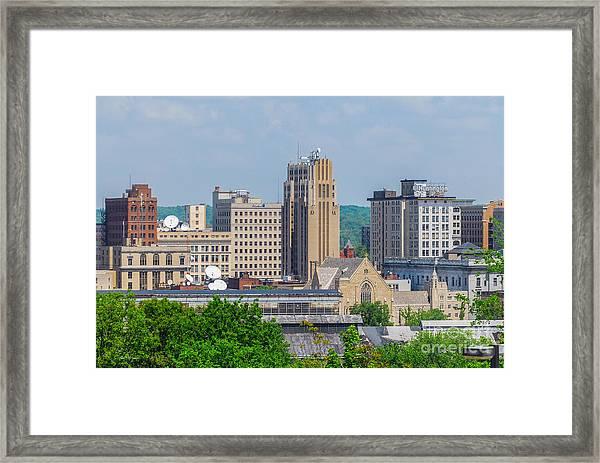 D39u-2 Youngstown Ohio Skyline Photo Framed Print