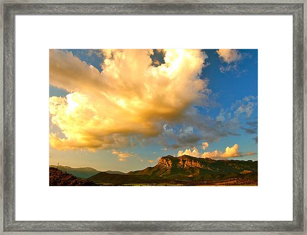 Framed Print featuring the photograph Descend by HweeYen Ong