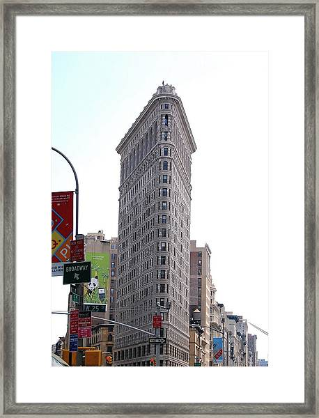 Nyc - The Flatiron Building Framed Print