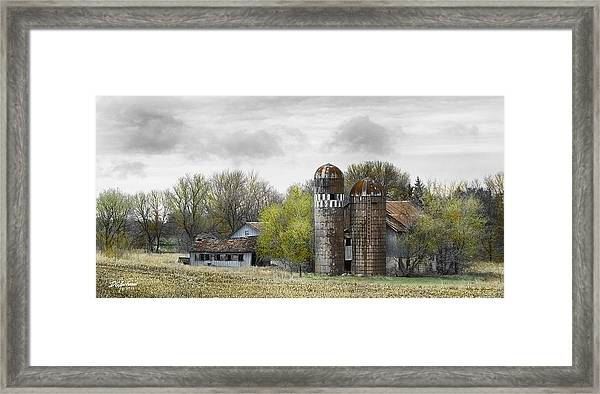 Old Minnesota Farmstead Framed Print by Don Anderson