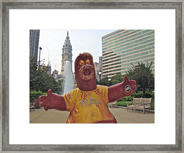 Phanatic Love Statue In The City Framed Print