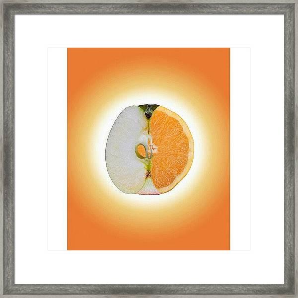 Äppelsin #tweegram #igers #instamood Framed Print