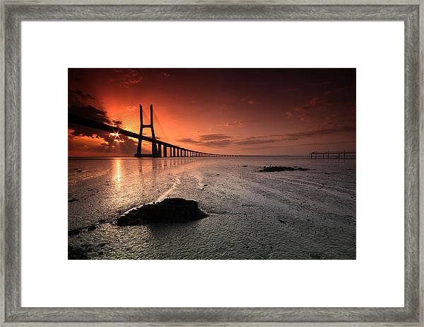 Star In Bridge Vasco Da Gama Framed Print