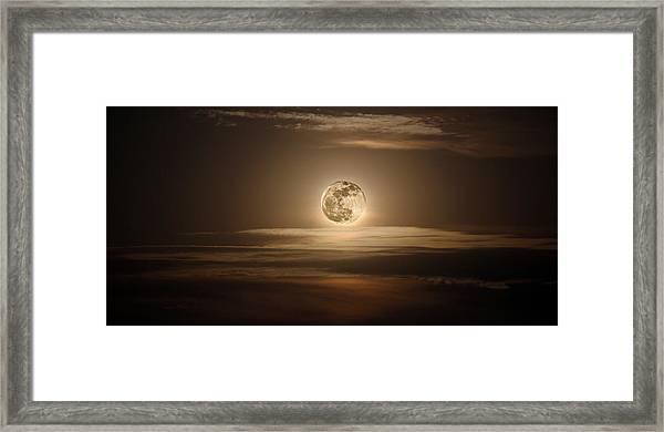 Super Moon Of 2012 Framed Print