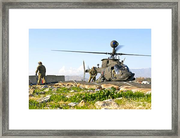 U.s. Army Soldiers Prepare To Fuel An Framed Print
