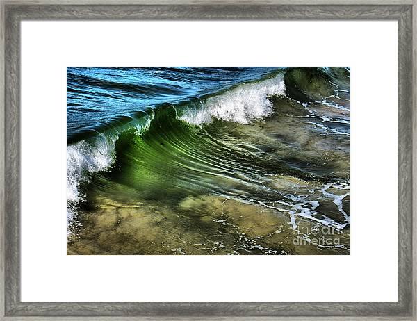 Wave Framed Print