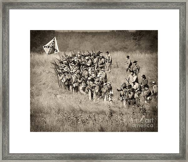 Gettysburg Confederate Infantry 9015s Framed Print