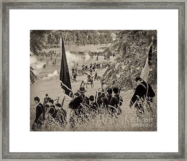Gettysburg Union Artillery And Infantry 7459s Framed Print