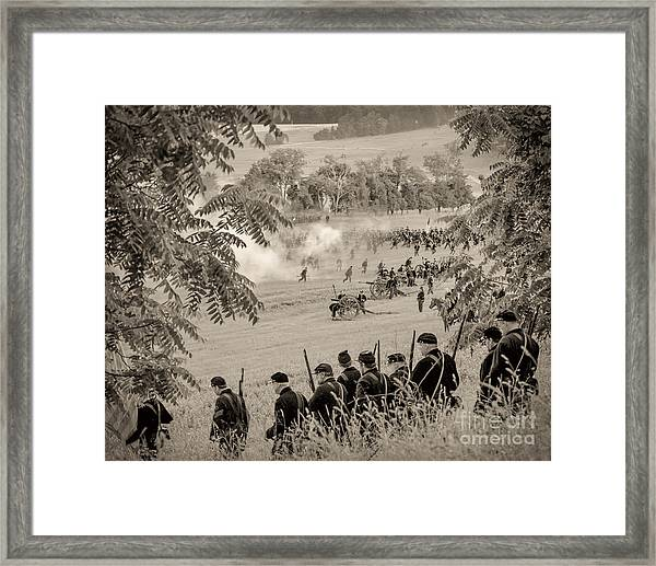 Gettysburg Union Artillery And Infantry 7465s Framed Print
