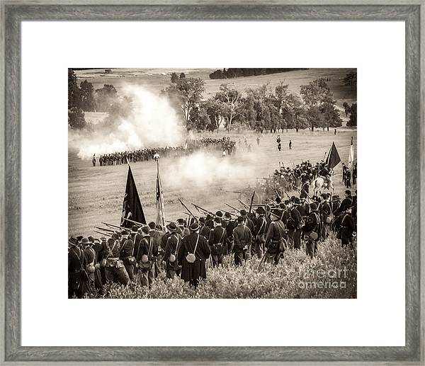 Gettysburg Union Artillery And Infantry 7496s Framed Print