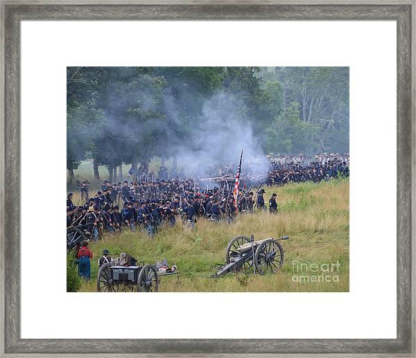 Gettysburg Union Artillery And Infantry 8456c Framed Print
