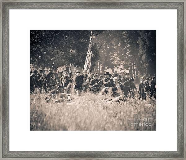 Gettysburg Union Infantry 9348s Framed Print