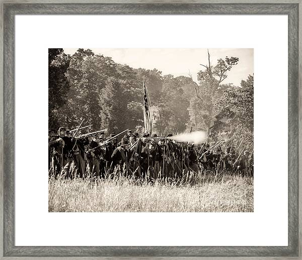 Gettysburg Union Infantry 9372s Framed Print